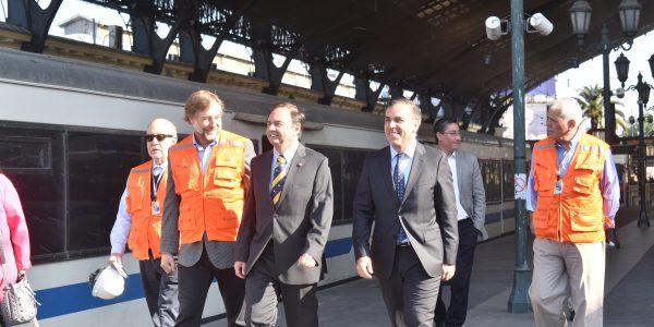 Avances en desnivelación de cruces ferroviarios permiten a Metrotren Rancagua reducir tiempos de viaje