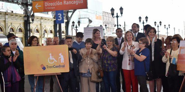 """Ministerio de transporte y telecomunicaciones y EFE presentan """"Miércoles Dorados"""": El Primer Programa de descuentos exclusivo para agrupaciones de adultos mayores."""