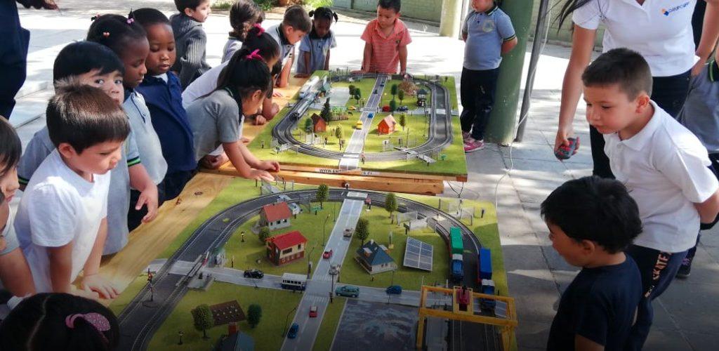 Profesores destacan importancia de Campaña Interactiva de Seguridad Ferroviaria