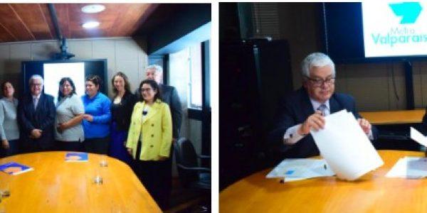 Metro Valparaíso y Ministerio de la Mujer y la Equidad de Género firman convenio para promover inserción laboral femenina y equidad de género