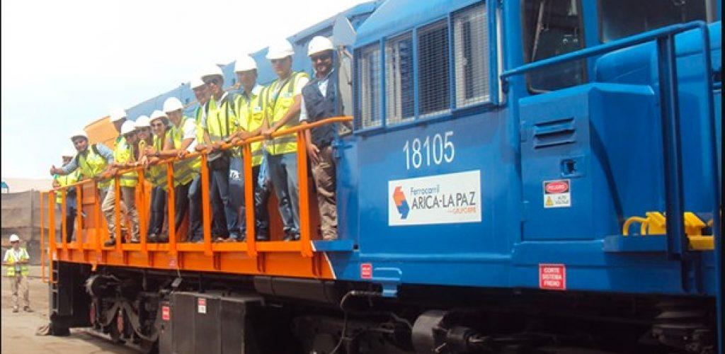 Universitarios de Bolivia y Perú conocieron el Ferrocarril Arica La Paz