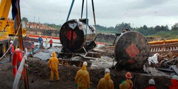 Grupo EFE concluye con éxito el rescate de carros sumergidos en Río Toltén
