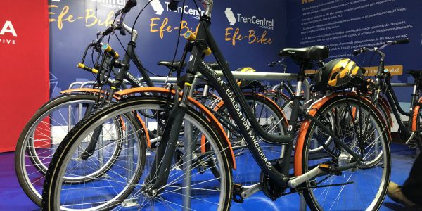 Grupo EFE presenta primer bicicletero gratuito en Rancagua