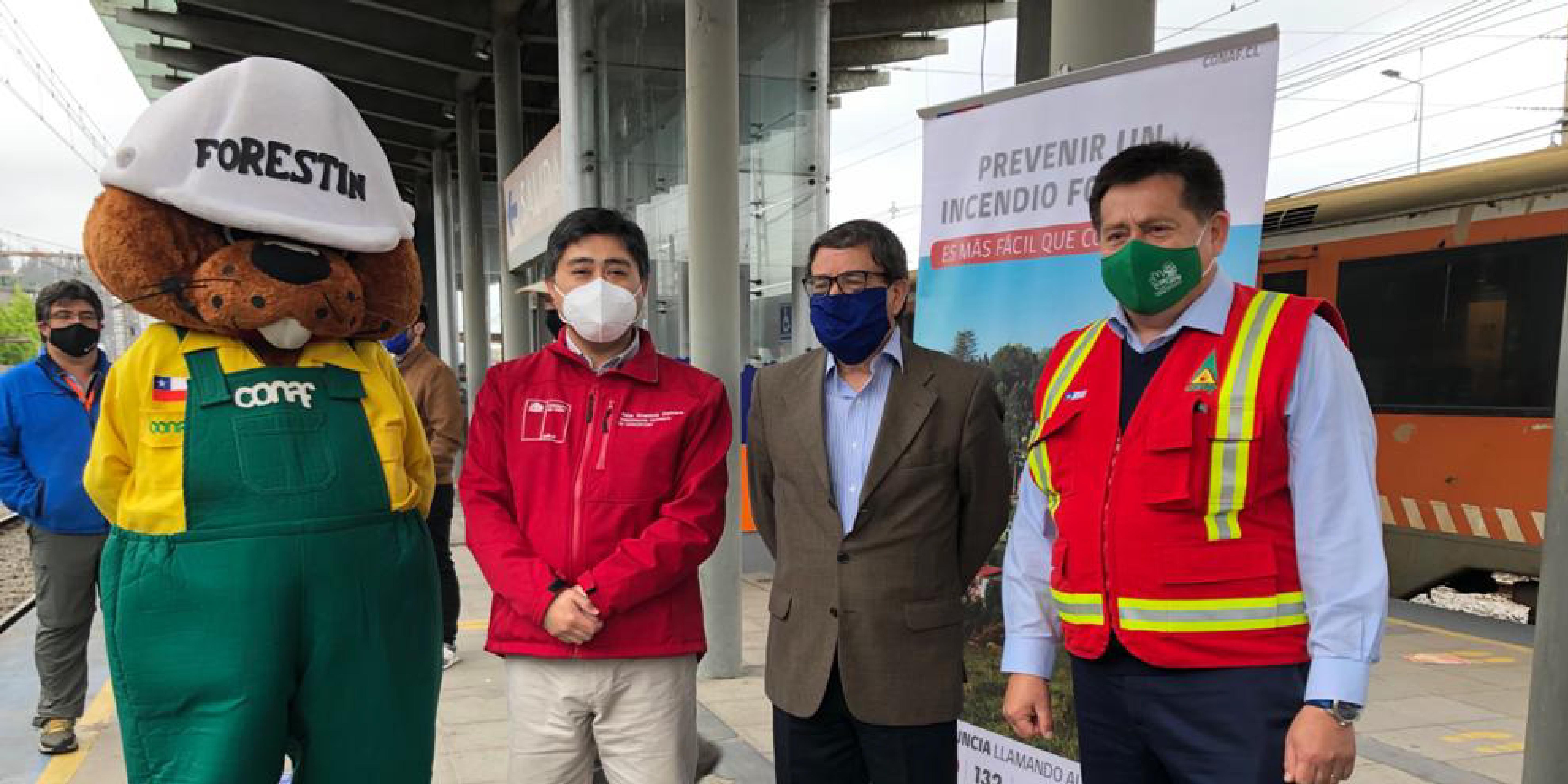 FESUR y CONAF refuerzan llamado a la prevención de incendios forestales en tren Corto Laja