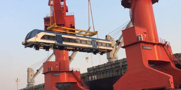 Hoy zarparon desde China los primeros seis nuevos trenes para las regiones del Biobío y La Araucanía