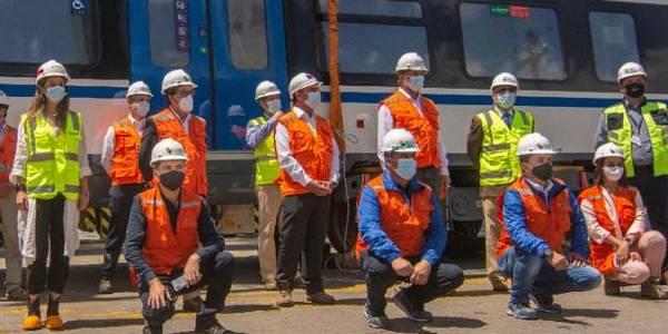 Hoy desembarcaron en Chile los primeros seis trenes nuevos para las regiones del Biobío y La Araucanía