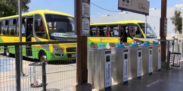 Buses de combinación con trenes reanudan su operación los sábados